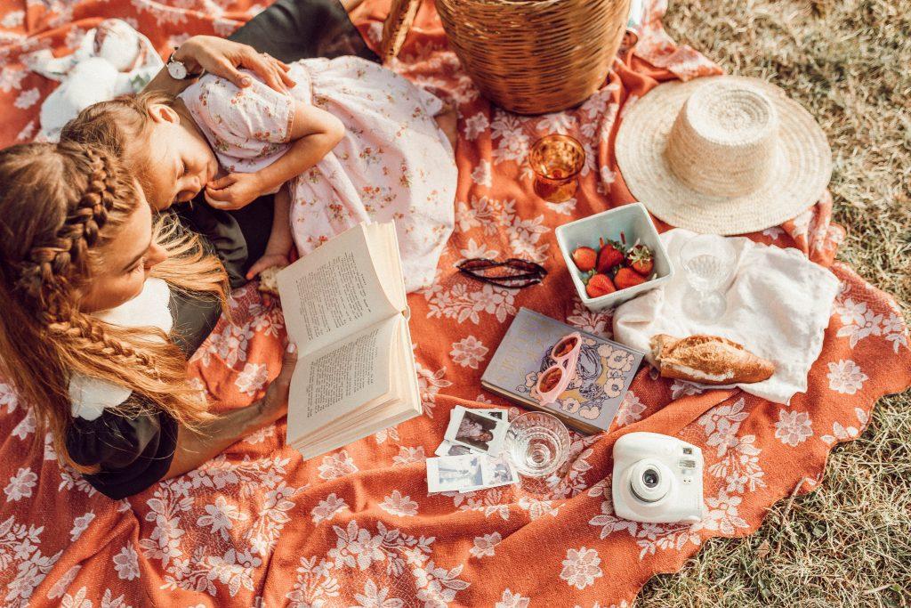 Czytanie dziecku pomaga całej rodzinie