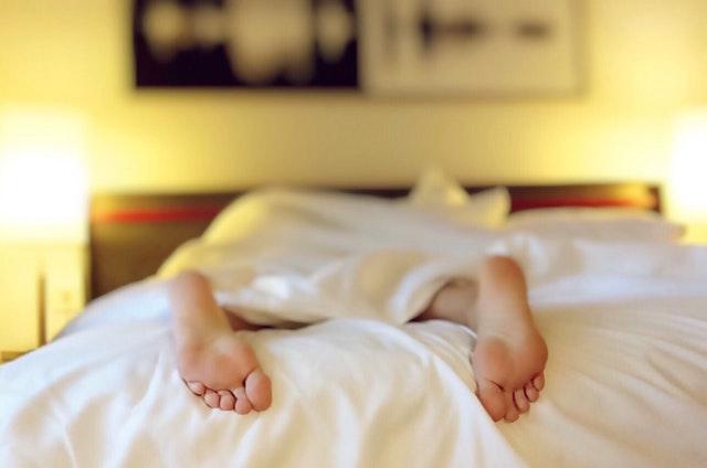 Sen - ilość i jakość snu wpływa na wyniki w nauce