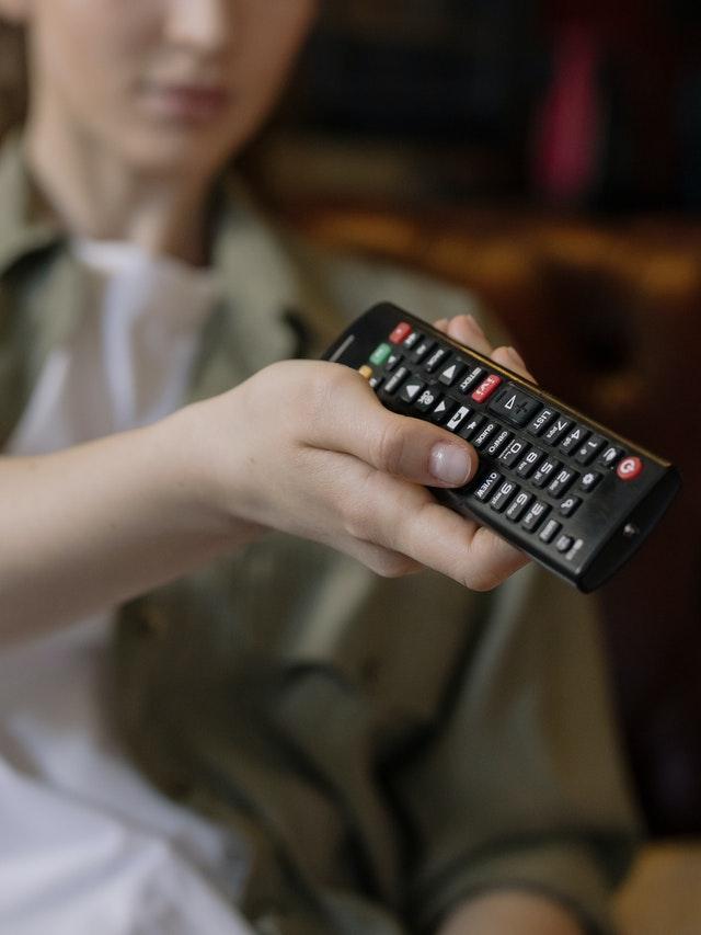 TV i komputer w nadmiarze hamują dziecko w rozwoju
