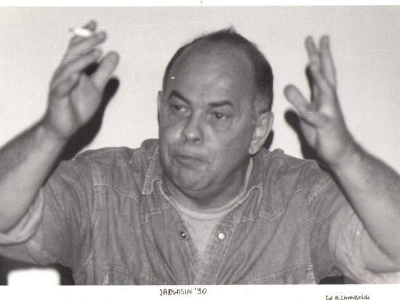 Jacek Kuroń wykłada na obozie w Jadwisinie, 1990